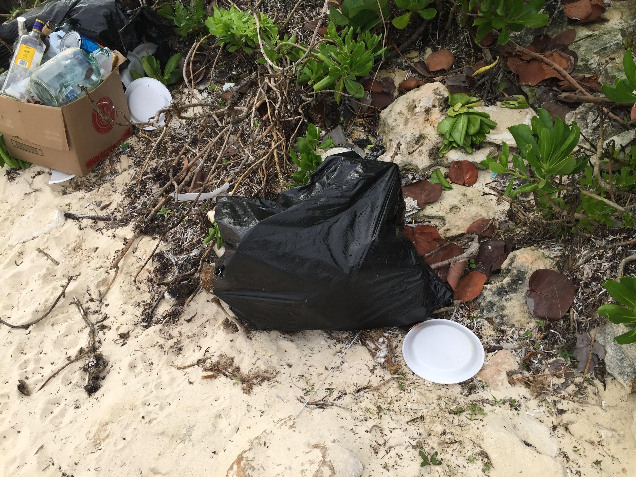 plastic-trash-nassau-bahamas-beach
