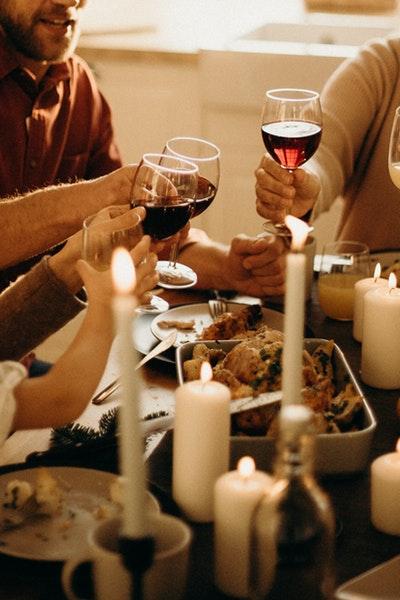 people-holding-wine-glasses-3171201